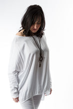 Load image into Gallery viewer, Loose fitting top with satin front panel