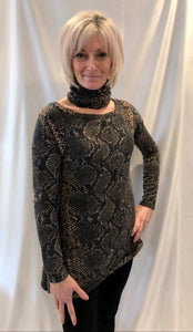 Snake print round neck long sleeve top with matching collar / headband.