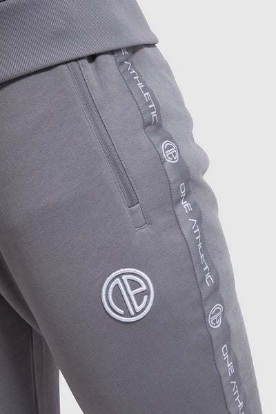 Logo detail on Firestone II gym joggers