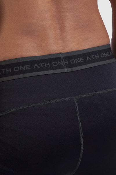 waistband detail of mens leggings