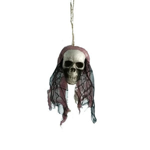 Hanging pirates corpse skull