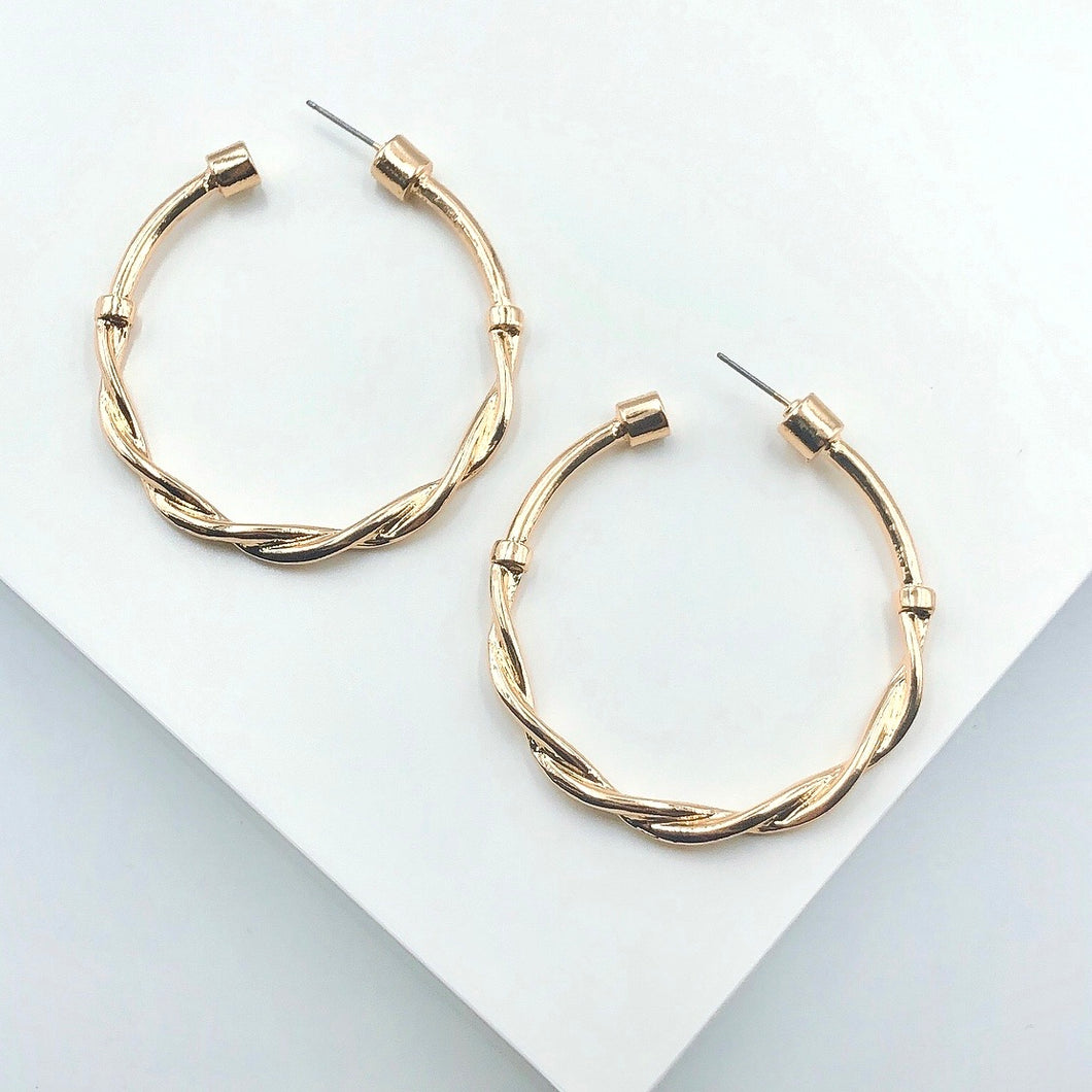 Twisted multi hoop