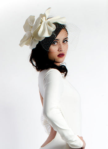 V114Dv Faux leather flower birdcage veil