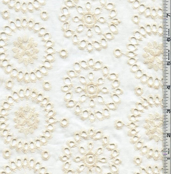 Natural Sweet Cotton Embroidered Eyelet Fabric 100% Cotton Medallions