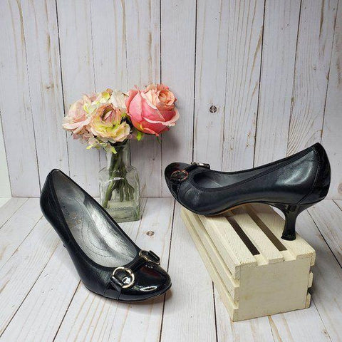 Tahari Black Buckle Pumps Heels