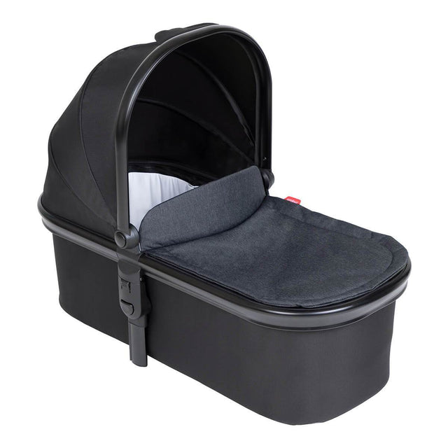 phil&ted snug carrycot in black colour