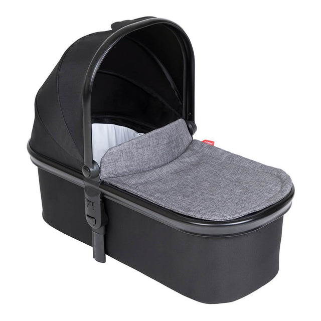 phil&ted snug carrycot in charcoal grey colour