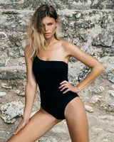 Sentosa One Piece - Black Honeycomb