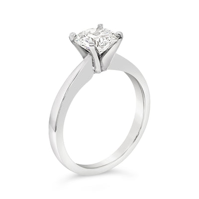 14k-white-gold-tapered-band-solitaire-setting-fame-diamonds
