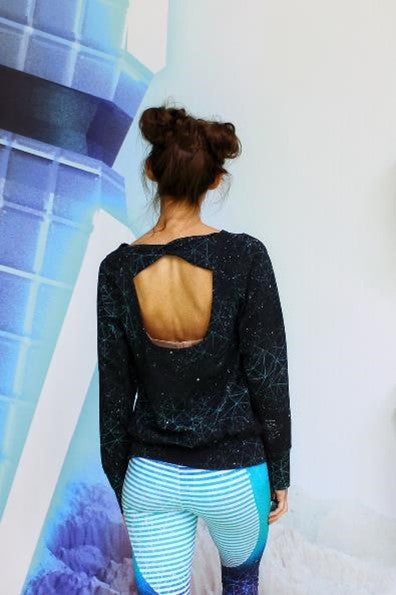 Open Back Pullover Twisted Back Hack