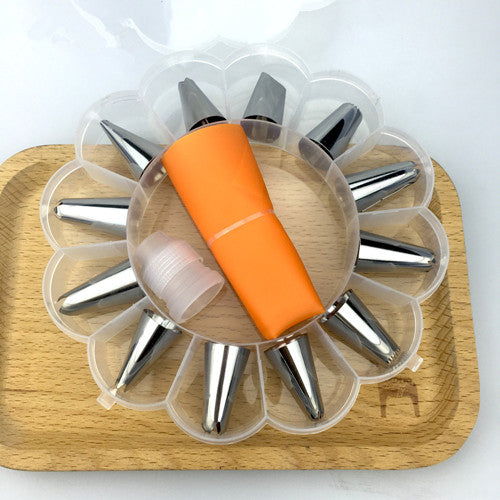Orange - 14pc/set Dessert Decorators Silicone Icing Piping Cream Pastry Bag Stainless Steel Piping Icing Nozzle for Cream Pastry Tool