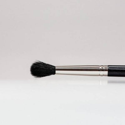 124 - Tapered Blending Brush - Plush Beauty