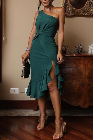 Sexy Ruffled Sloping Shoulder Pure Colour Dress