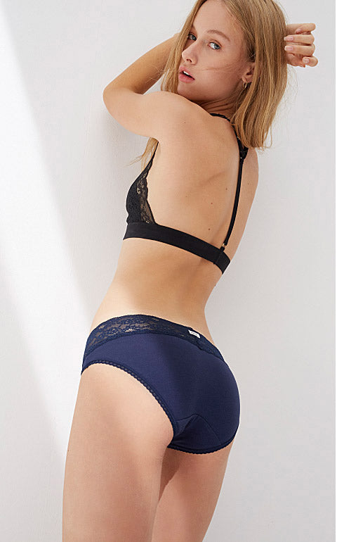 Classic Low Rise Cotton V Lace Waist Brief Panty