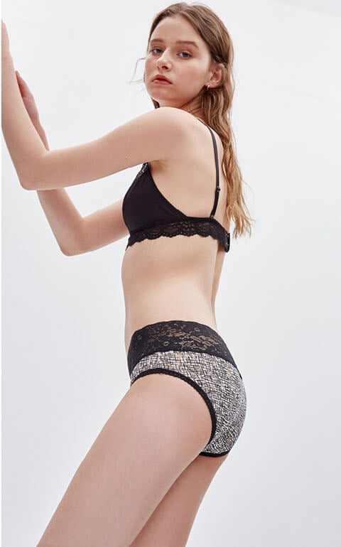 Simple • Mid Rise Cotton V Lace Waist Brief Panty