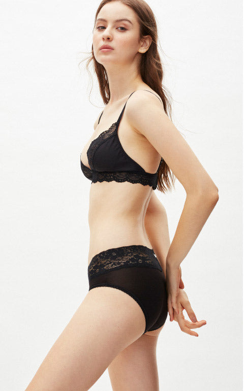 XXL Cool Series • Mid Rise V Lace Waist Brief Panty