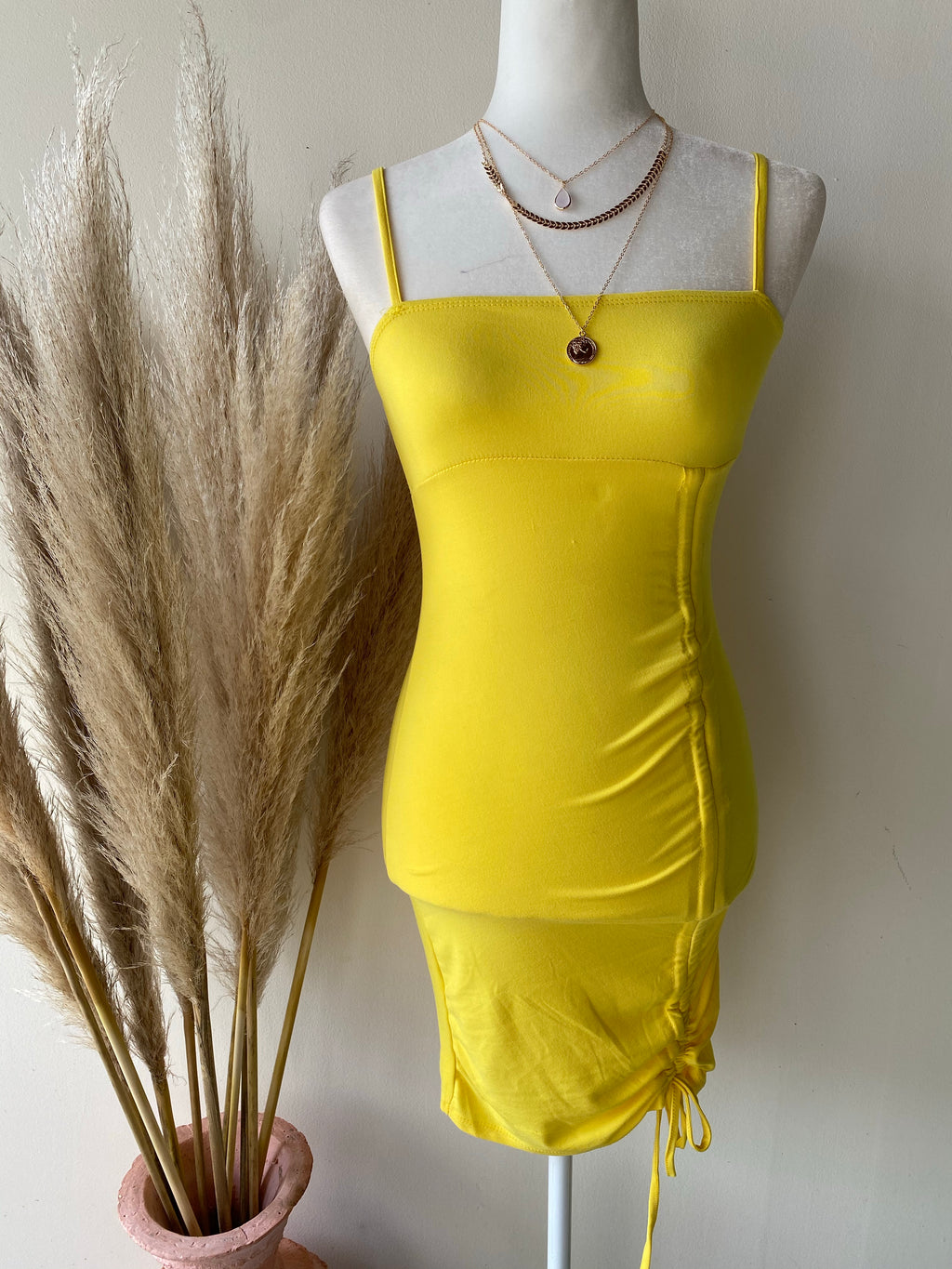 Talía ruched dress- yellow