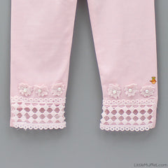 Stylish Cutwork Capri Leggings - Pink