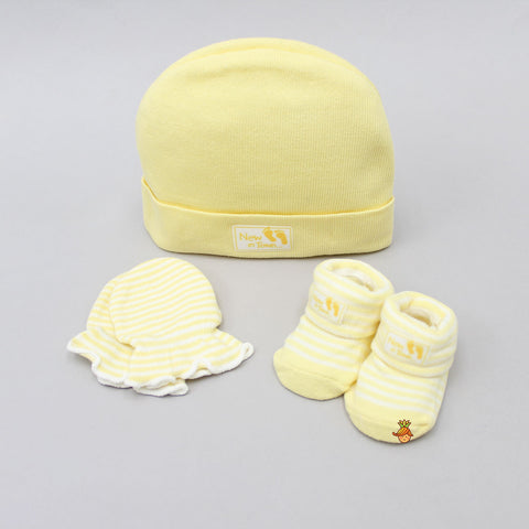 New In Town Cap, Mittens And Socks Set For New Born