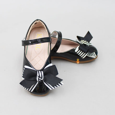 Black Stripy Bowy Shoes