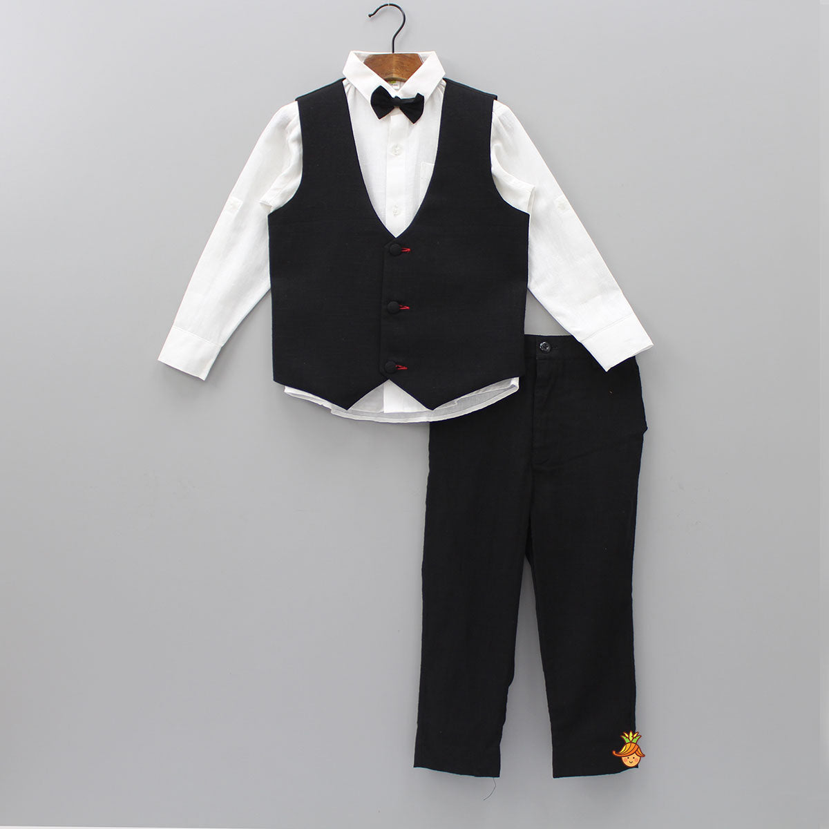 White Shirt and Black Pant With Waistcoat