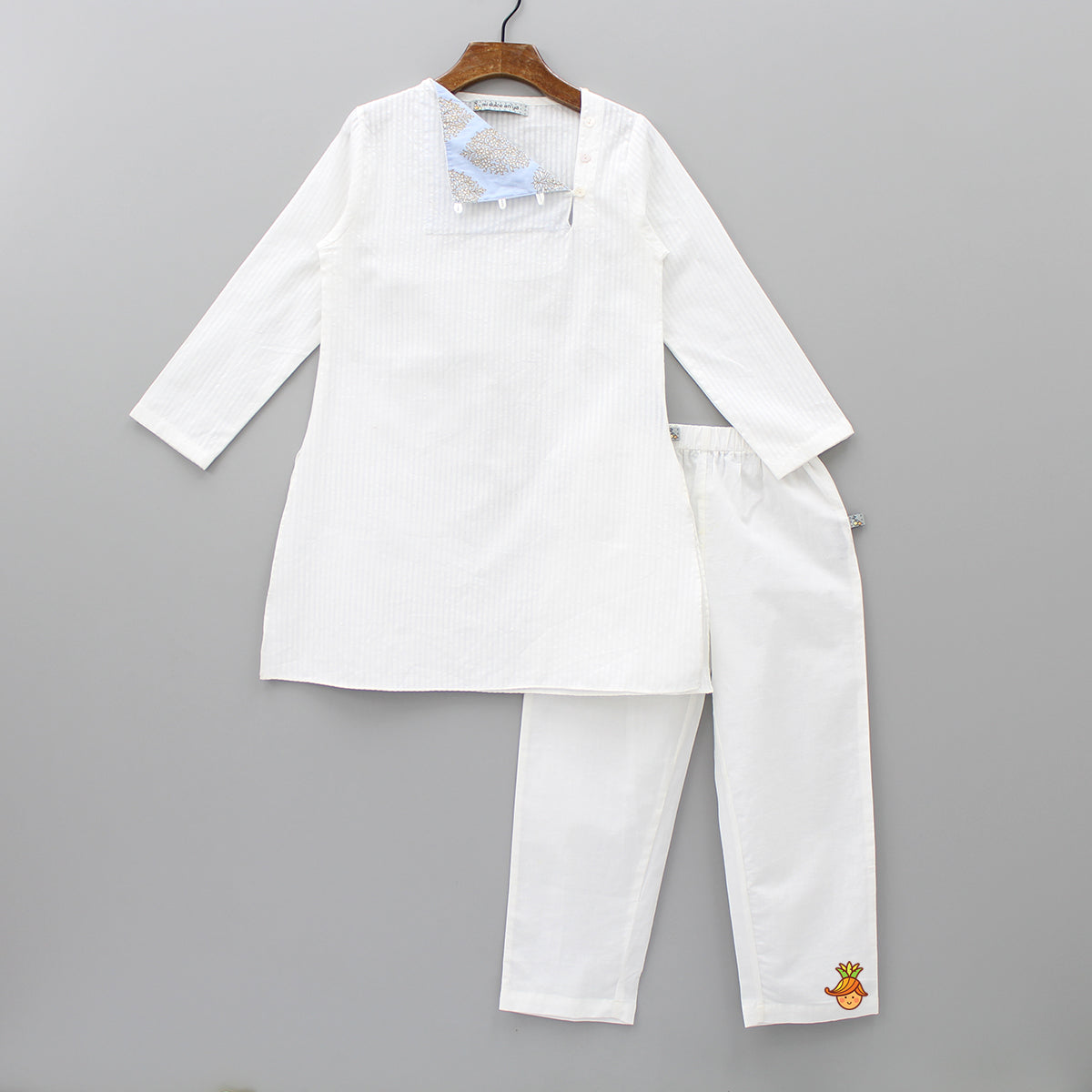 Pre Order: White Kurta And Pyjama