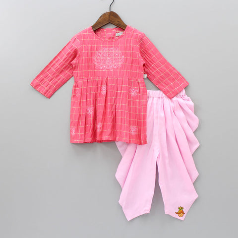 Pre Order: Floral Embroidered Checks Pattern Kurta And Patiala