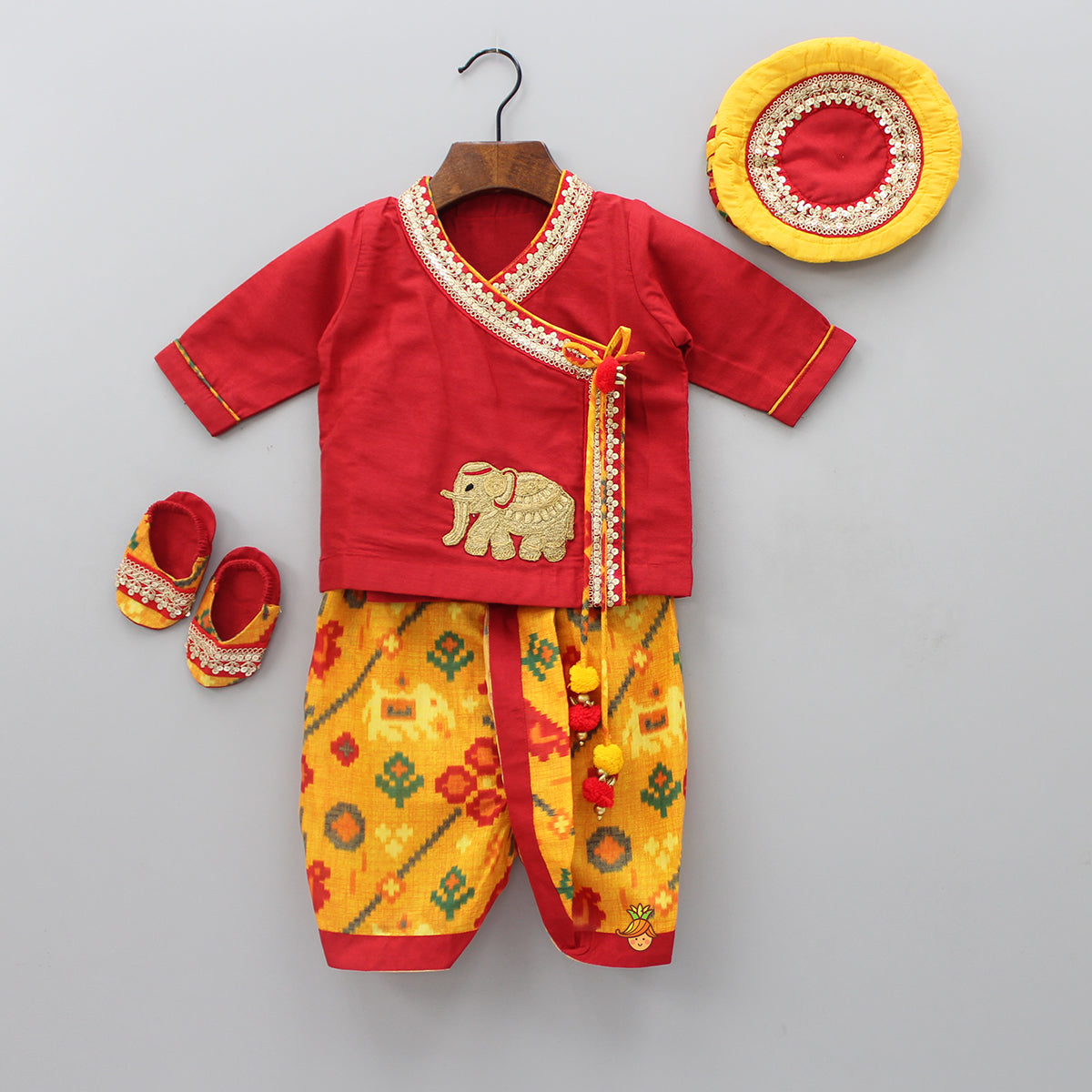 Pre Order: Elephant Applique Jamna And Printed Dhoti With Cap And Botties