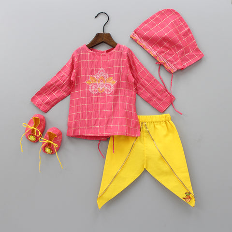 Pre Order: Organic Red Checks Pattern Jamna Set With Cap And Booties
