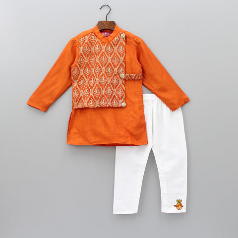 Pre Order: Embroidered Half Jacket Kurta And Pyjama