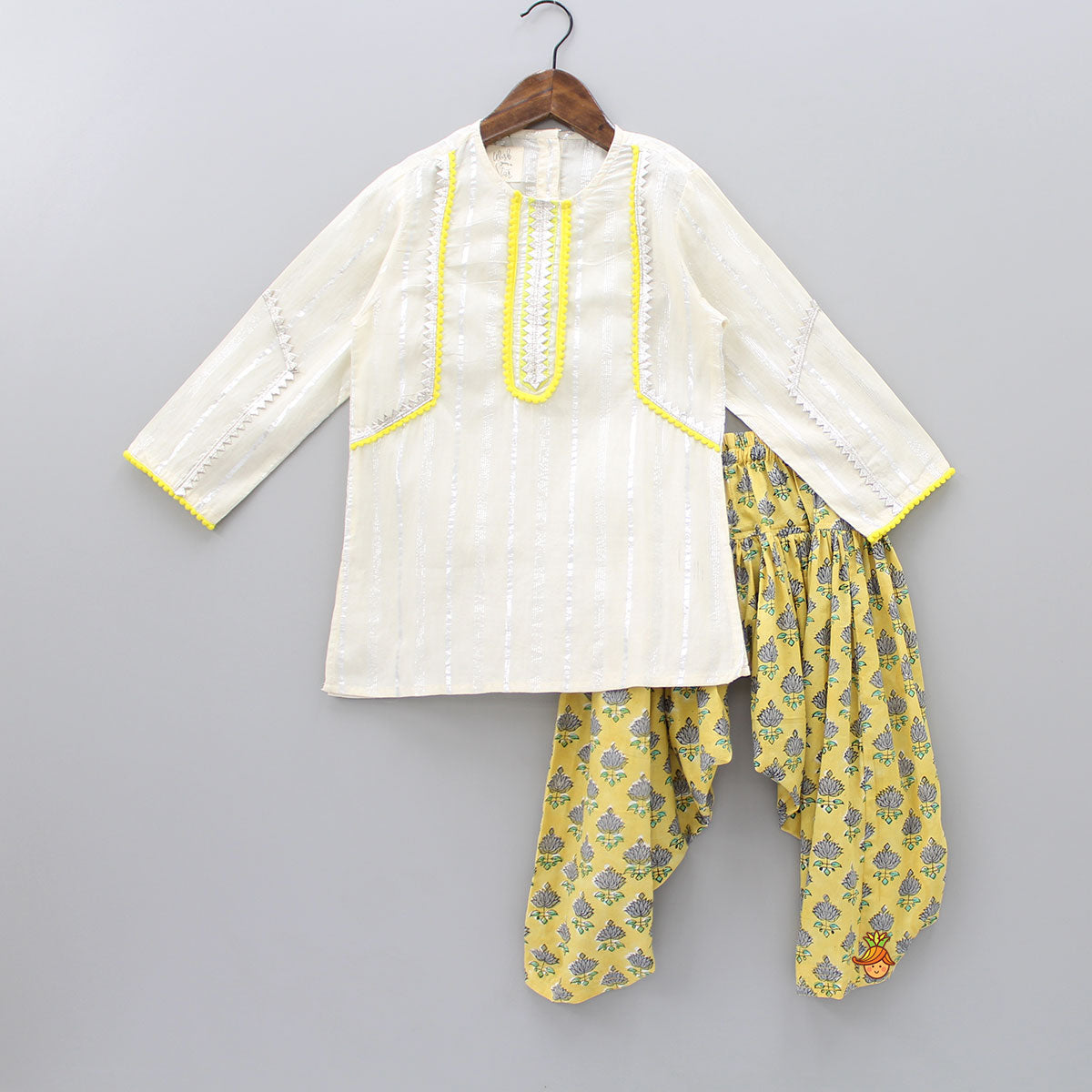 Lace Work Kurta And Floral Print Dhoti