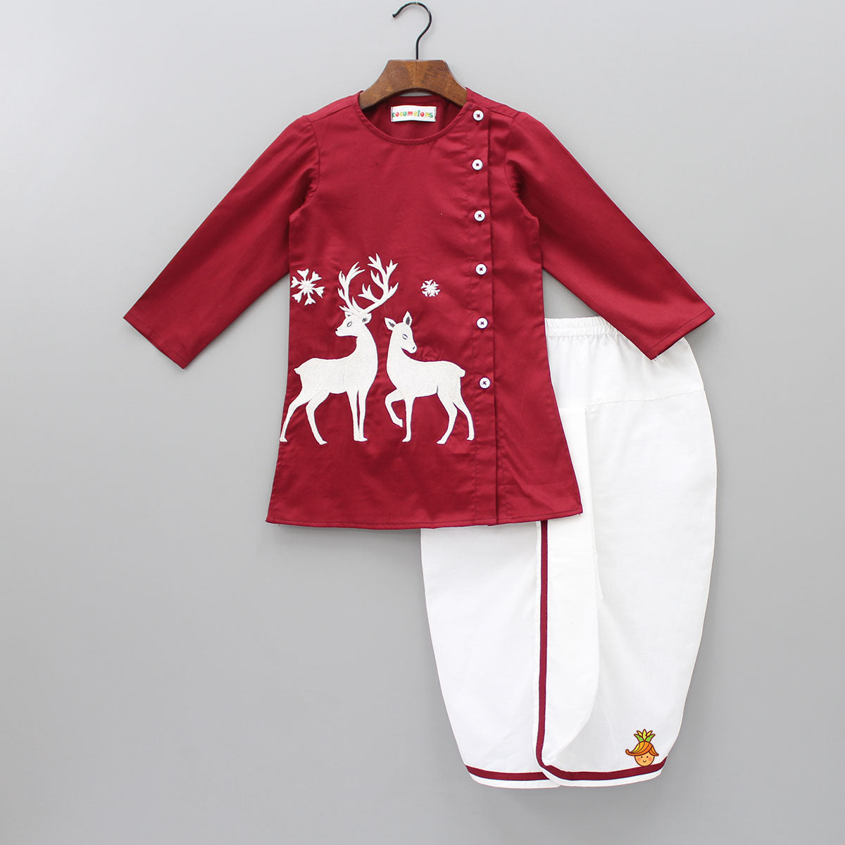 Pre Order: Deer Embroidered Kurta And Dhoti