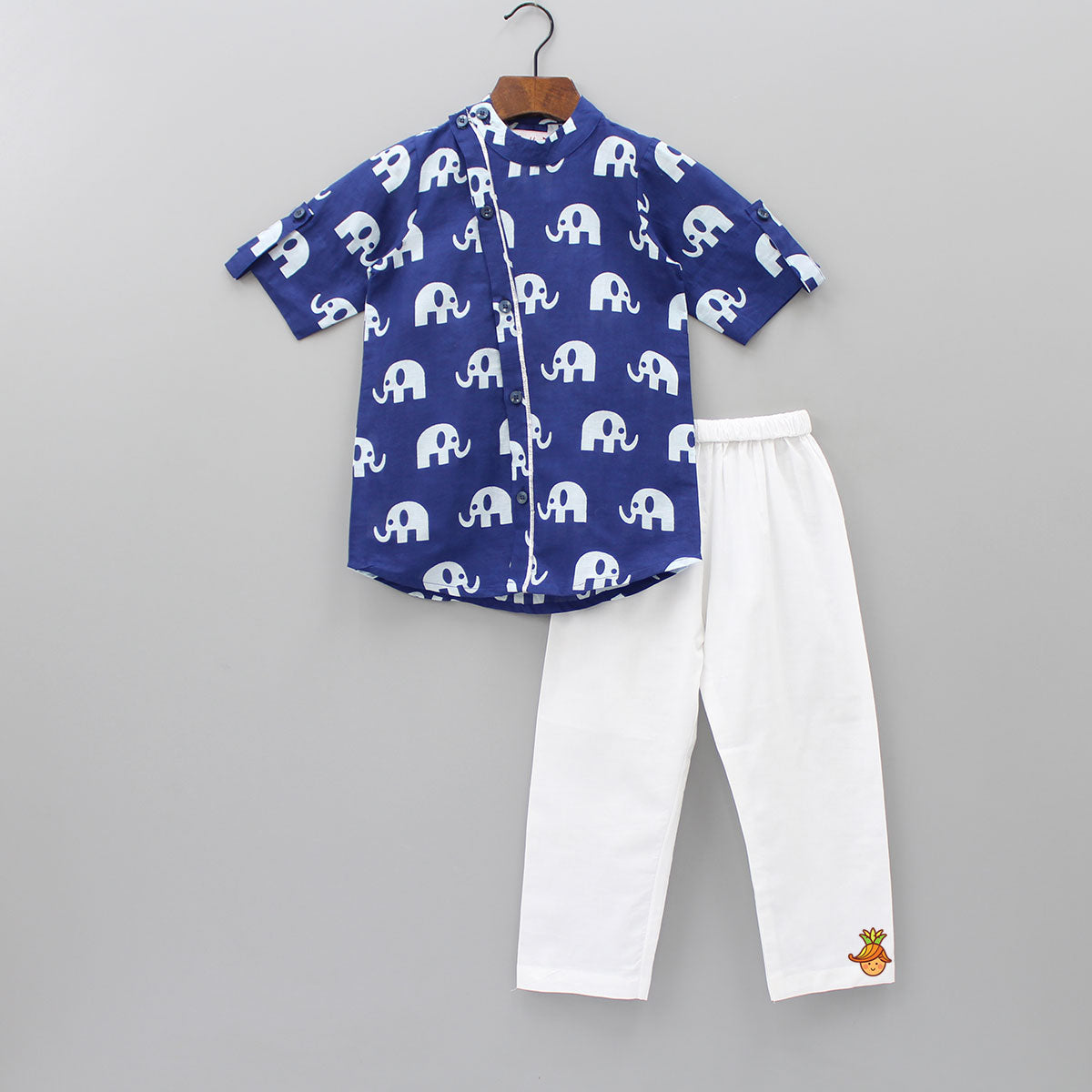Stylish Elephant Print Kurta And Pyjama