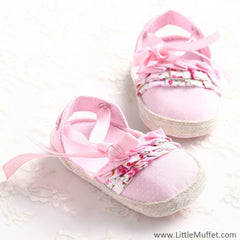Baby Pink Sandals With White Polkas