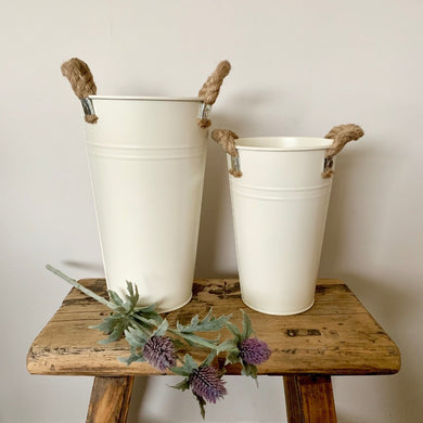 Cream flower bucket, chunky rope handles 20cm tall, rustic country style