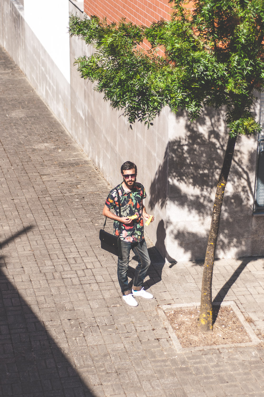 On the street: Noise Goods Folio Cross A4 Black