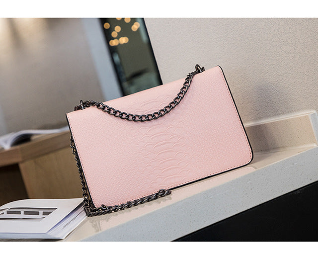 Snake metal chain Cross body Designer Handbag Pink Large