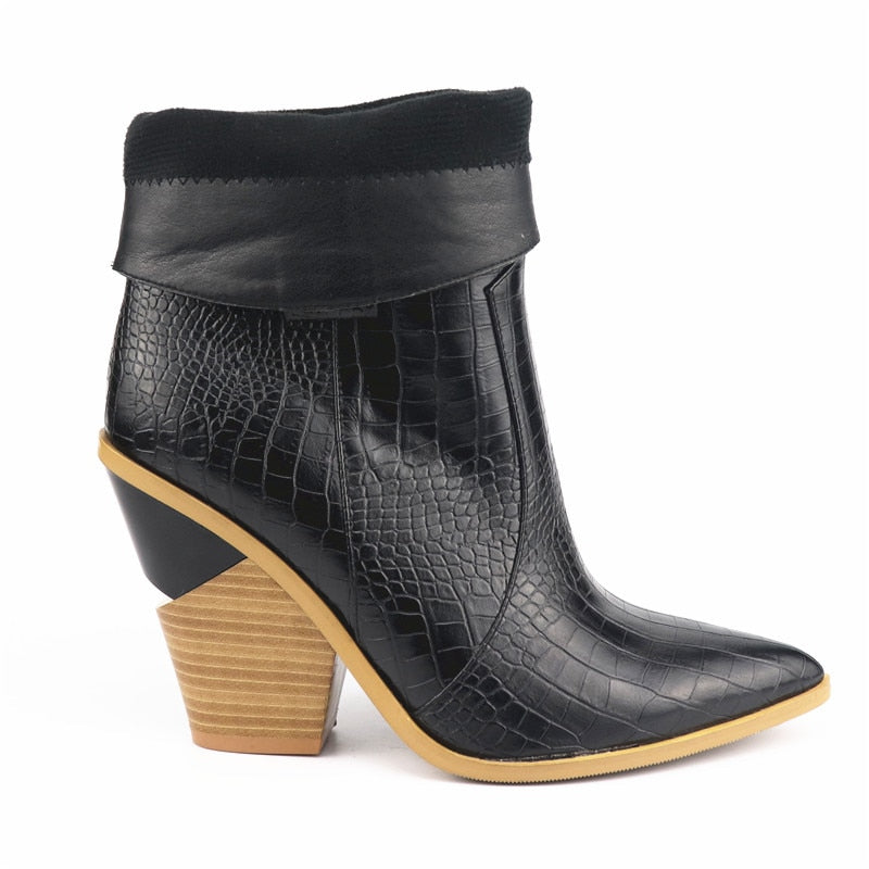 Western pointed ankle boots block heel Black