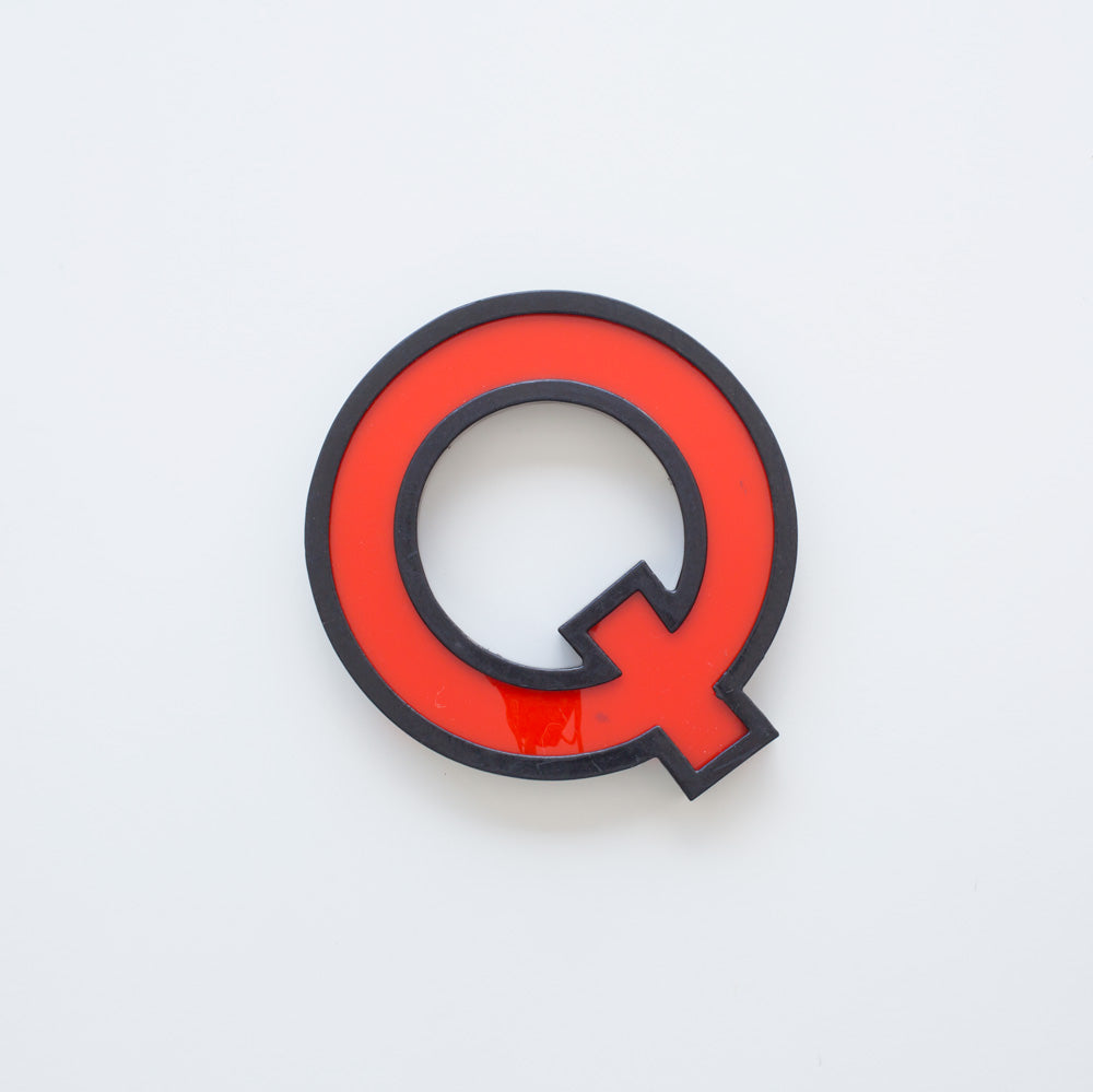Q - Medium Cinema Letter