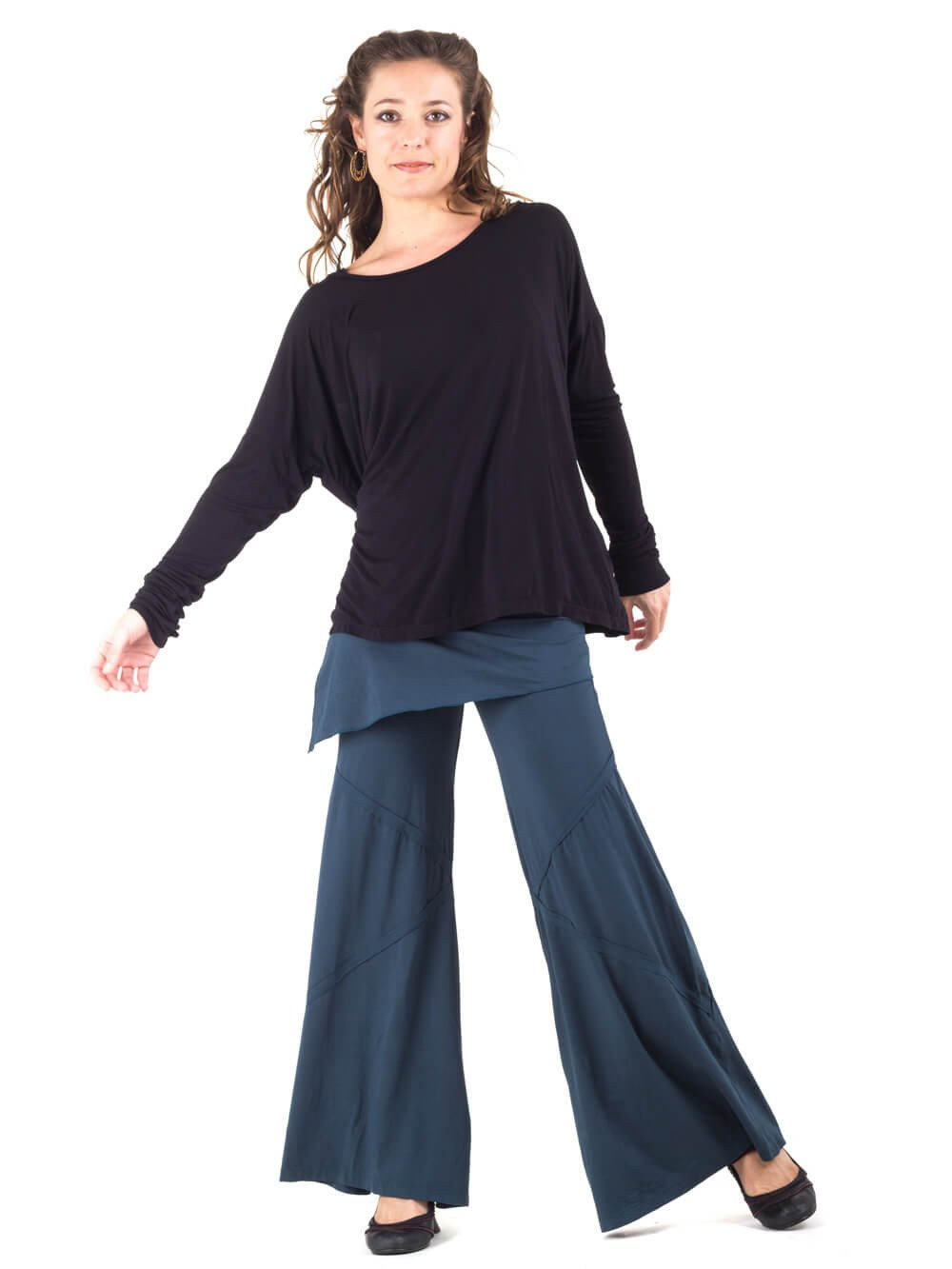 Womens Long Sleeve Rayon Jersey Boyfriend Top in Black with Wide Leg Panel Rayon Jersey Pants in Teal