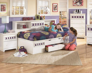 Zayley White Full Bed - United Furniture Outlet