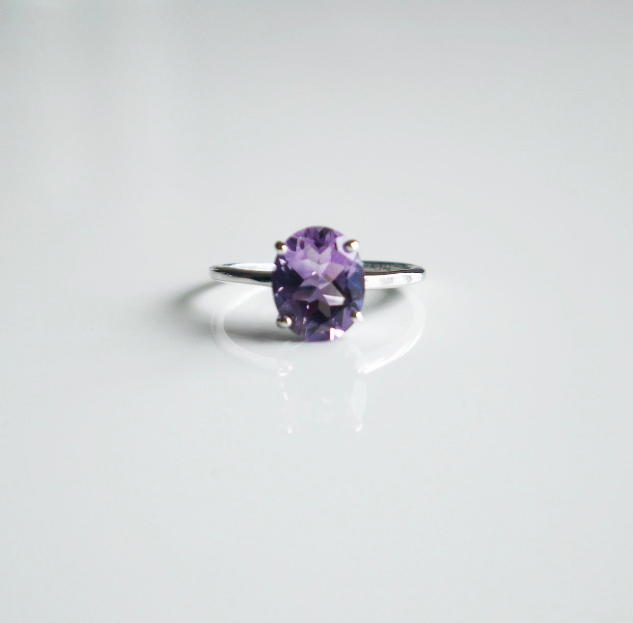 Chic Dinner Amethyst Ring