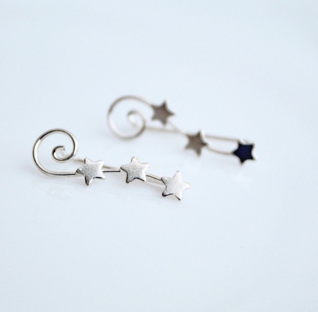 Shooting Star Ear Crawler, ear pins, hipster jewelry, edgy earrings, piercings, blogger style, street style ring, influencer jewelry, adjustable earrings, festival fashion, gifts for her, sterling silver earrings, ear crawler*, fashionable earrings, influencer jewelry, trendy jewelry, star earrings, Star Jewelry,  by KesleyBoutique.com, Girlwith3jobs.com
