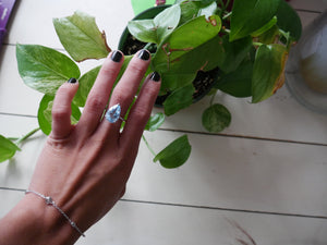 Topaz rain drop tear drop topaz ring, rain drop topaz ring, tear drop topaz ring, water drop topaz ring, pear topaz ring, sterling silver topaz ring, shipping in miami, jewelry store in Miami, cute gifts cute birthday gifts jewelry gifts, fashion 2020, fashion 2021 new york fashion week, shopping in miami
