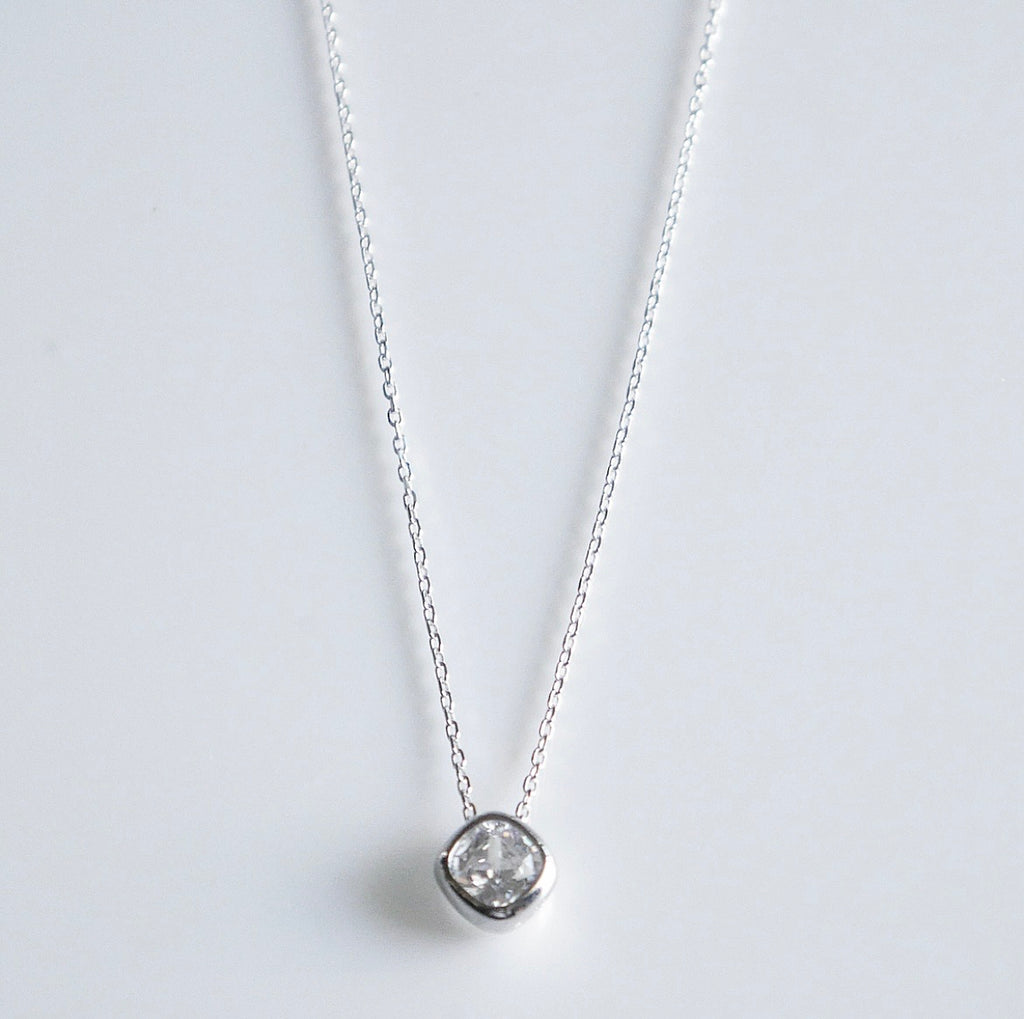 Single Sparkle Square Necklace