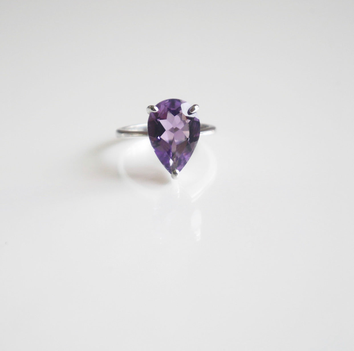 Water Drop Lux Amethyst Ring
