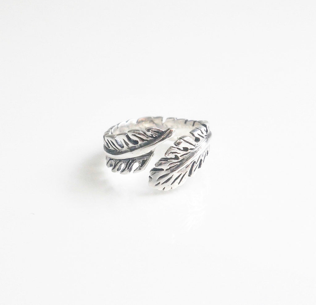 feather ring feather adjustable ring in silver featehr ring by kesleyboutique ans girlwith3jobs