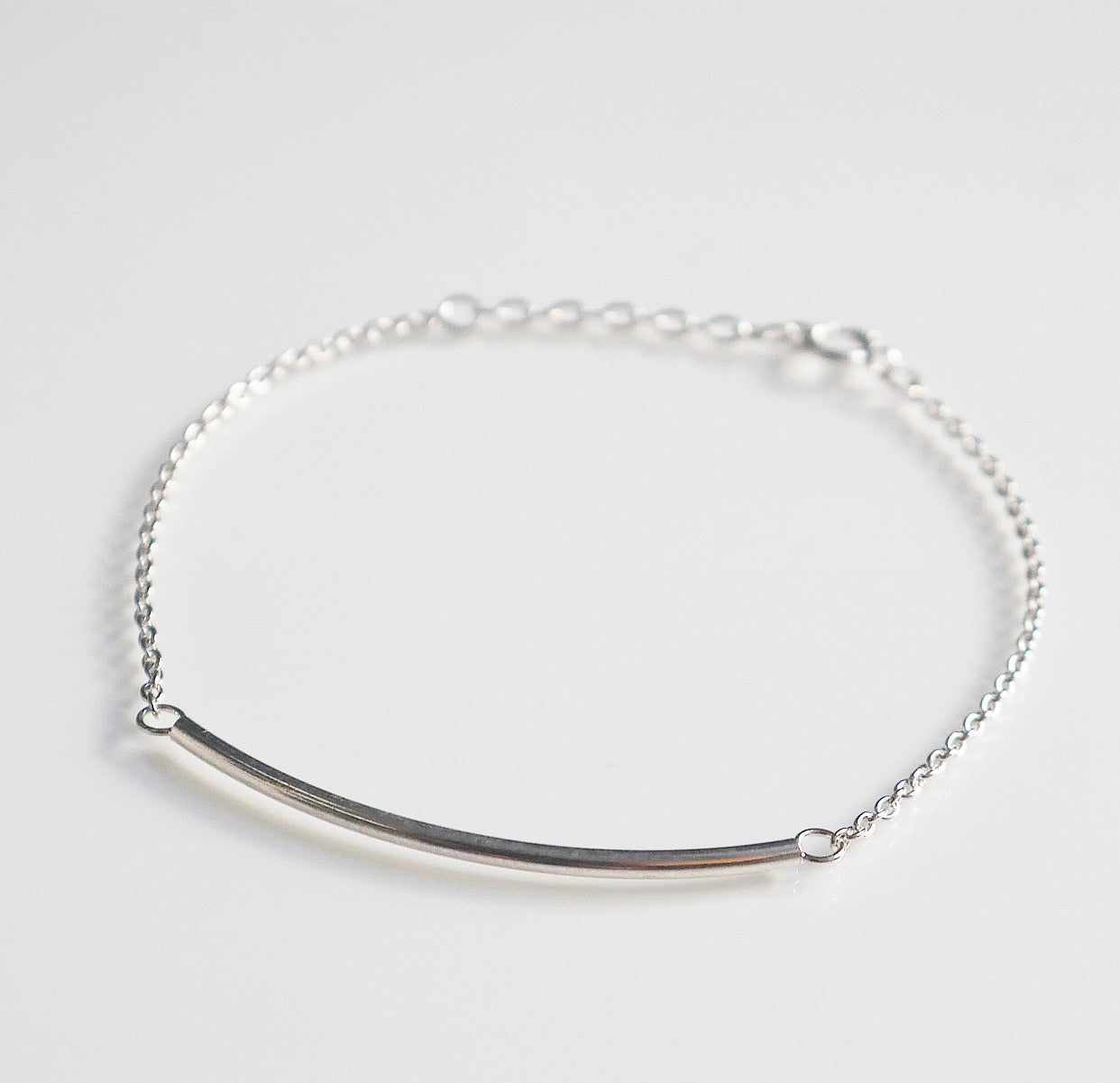 Bar bracelet bar chain bracelet, dainty bar bracelet by KesleyBoutique.com, Girlwith3jobs.com, cute bracelets, delicate bracelet, bar bracelet in sterling silver .925 , shopping in Miami, jewelry store in Miami, shopping in south beach