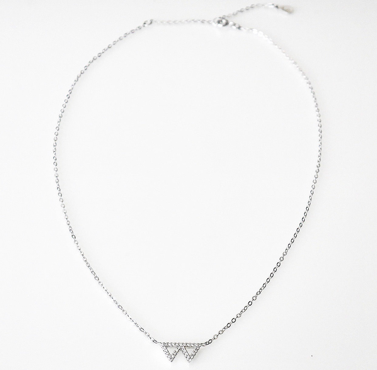 short triangle necklace, triangle necklace in sterling silver, dainty triangle necklace, simple necklace with two triangles, dainty necklace, choker, short necklace