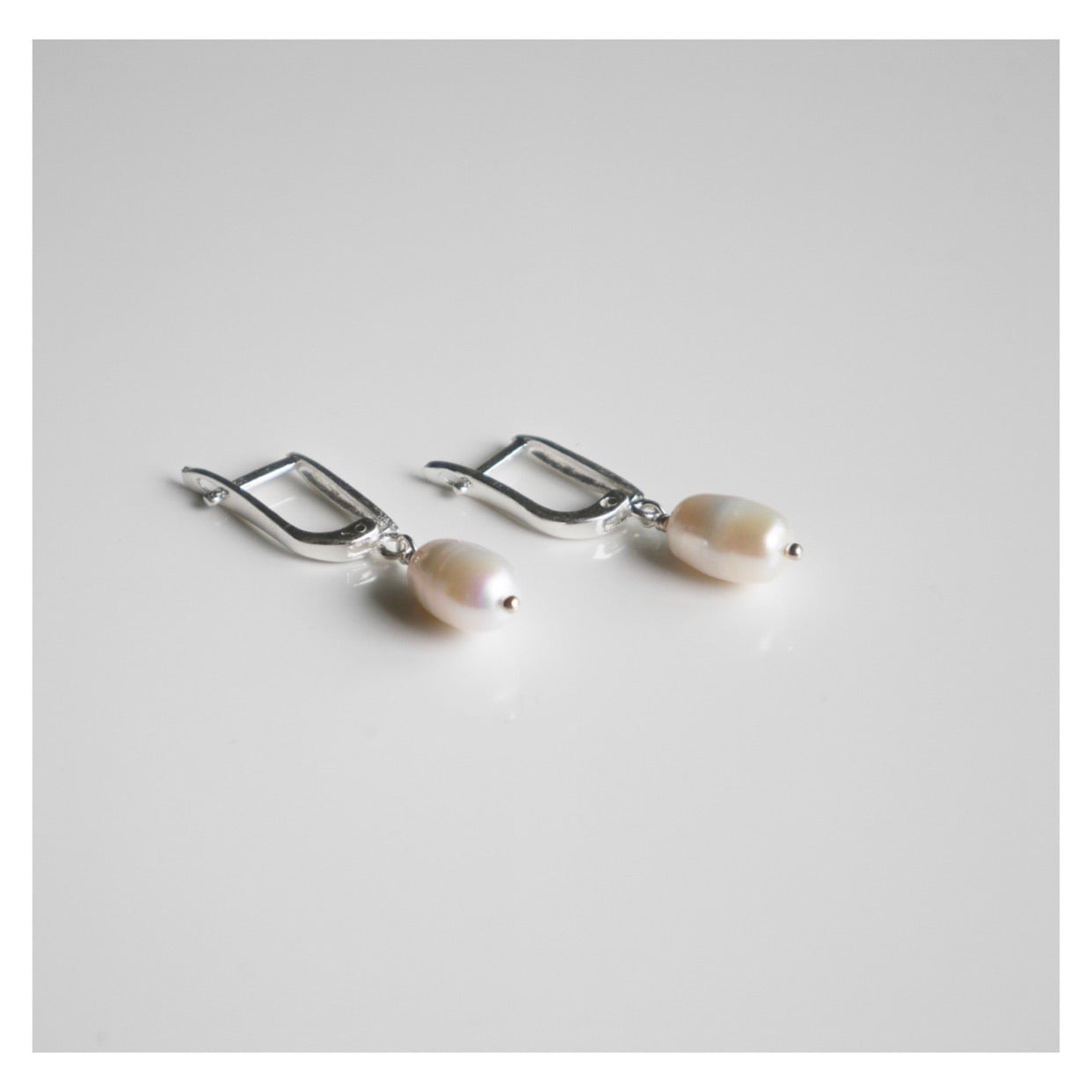 Hooked On To You Pearl Earrings